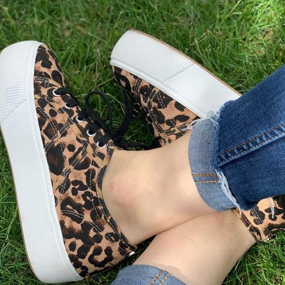 3f59b27a14 Steve Madden Emmi Platform Sneaker 🐆. M_5cbfca4ba20dfc54b8463da7